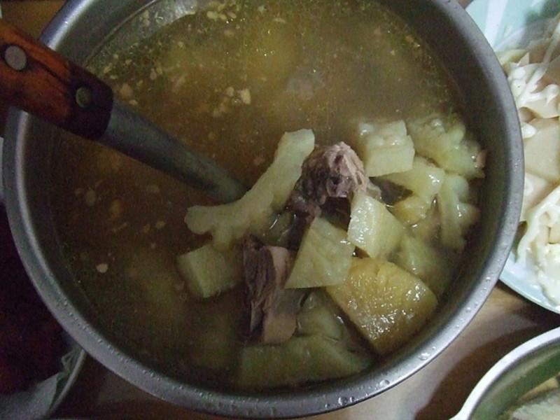 力力隨意煮-鳳梨苦瓜雞湯