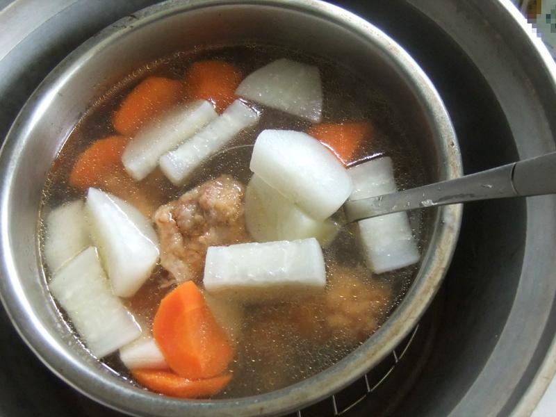紅白蘿蔔排骨酥湯