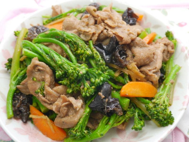 青花筍炒肉片