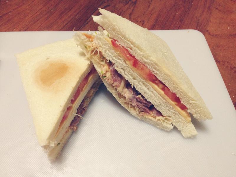 鴨賞起司鮮蔬三明治