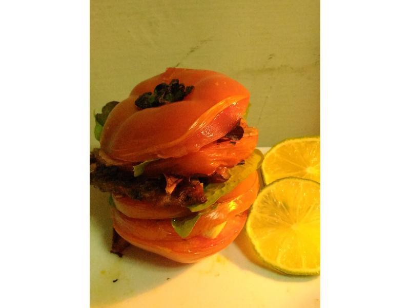 烤蕃茄鮮蔬肉漢堡