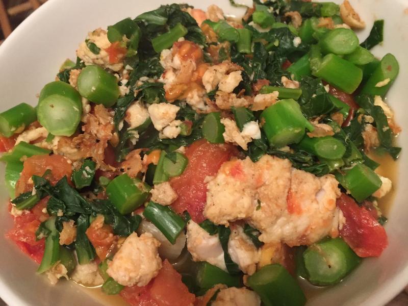【清冰箱料理】蕃茄魚塊炒芥蘭