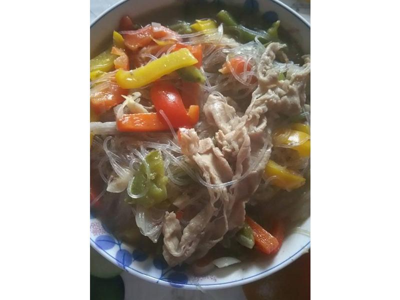 肥牛三色椒粉絲鍋