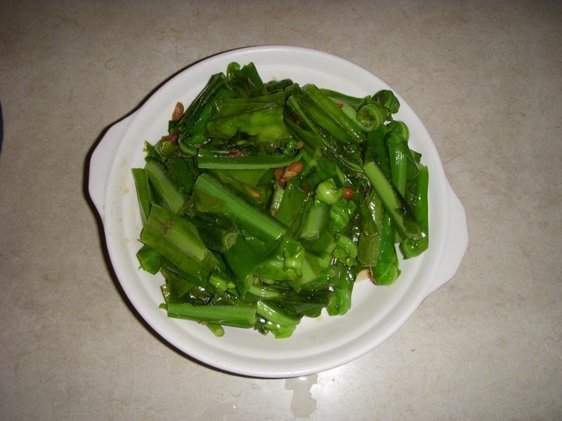 豆瓣醬炒山蘇