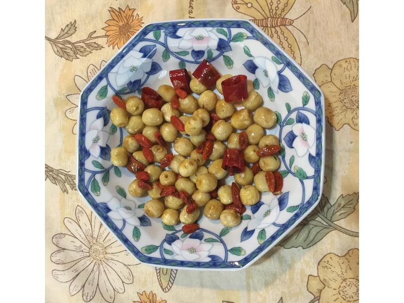 你意想不到超簡單防老、養血的清炒紅椒蓮子