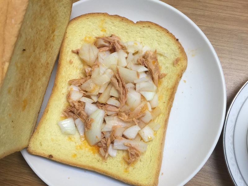 清空冰箱-宵夜-洋蔥鮪魚吐司
