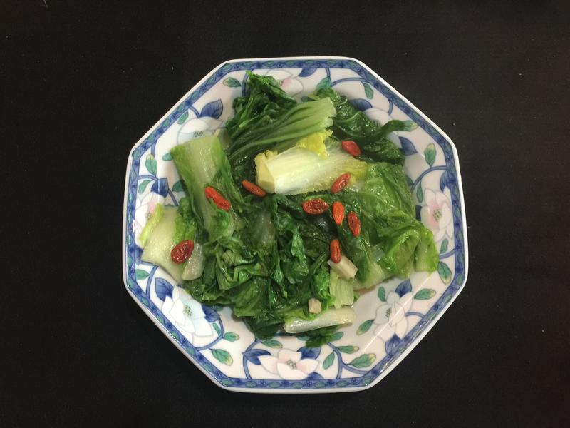 家常菜⋯枸杞炒小白菜