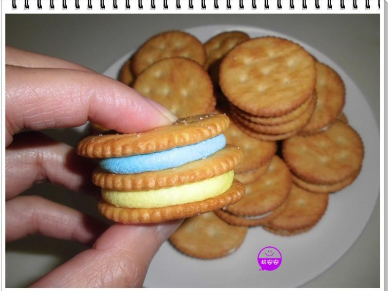 微波15秒玩麗滋餅乾夾燒烤棉花糖