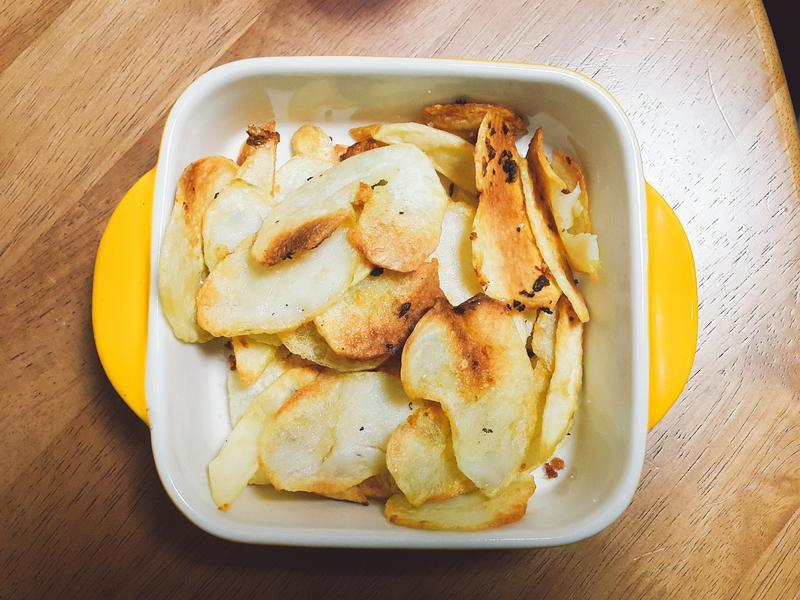 橄欖油香蒜烤洋芋片