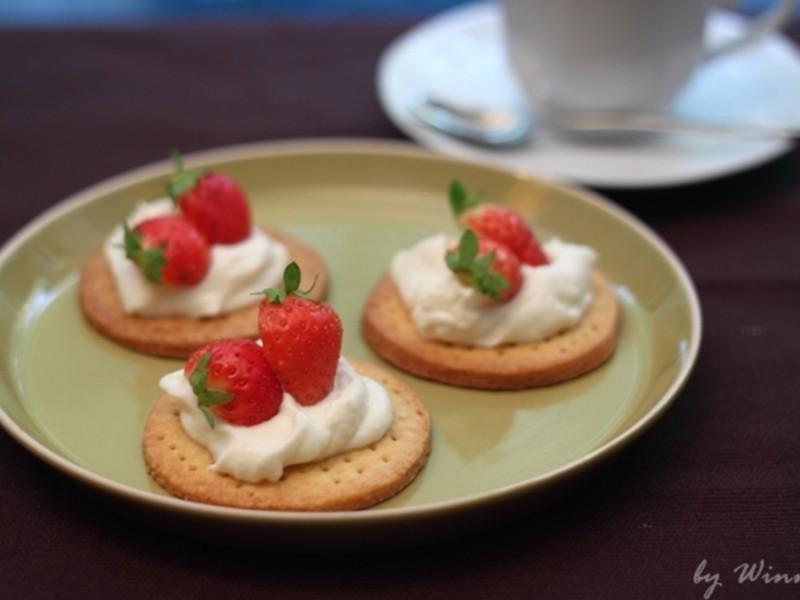 下午茶---草莓乳酪醬餅乾塔