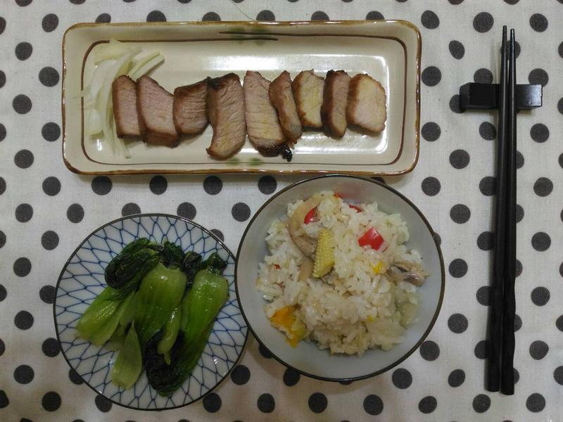 香烤豬後腿肉佐生洋蔥 (小烤箱料理)