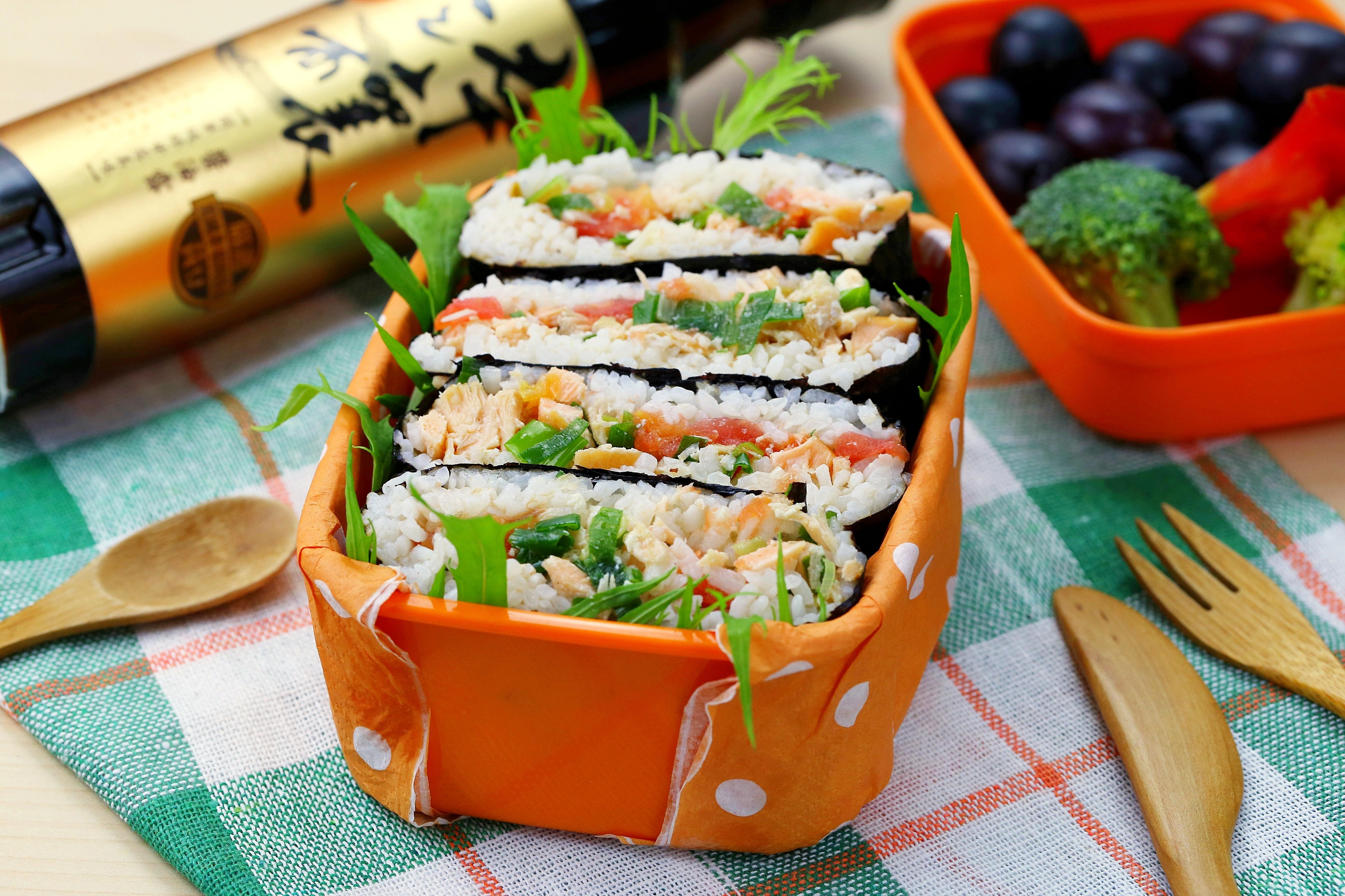野餐必備醬漬鮭魚飯糰【淬釀春日野餐節】