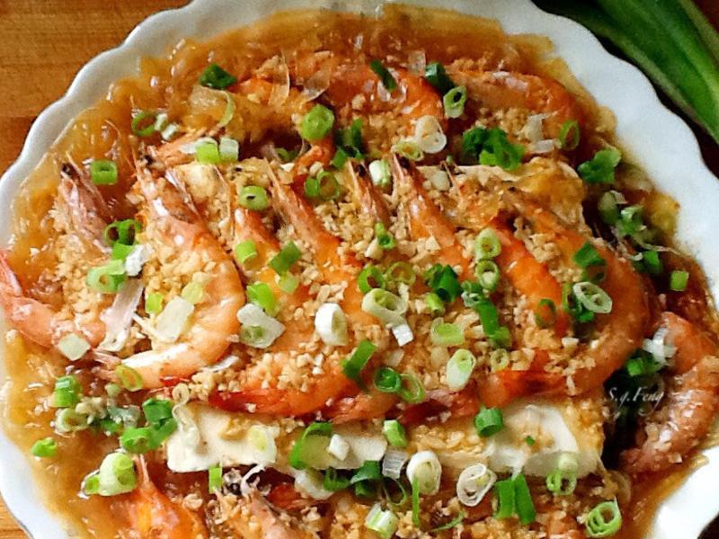 蒜蓉豆腐蒸蝦
