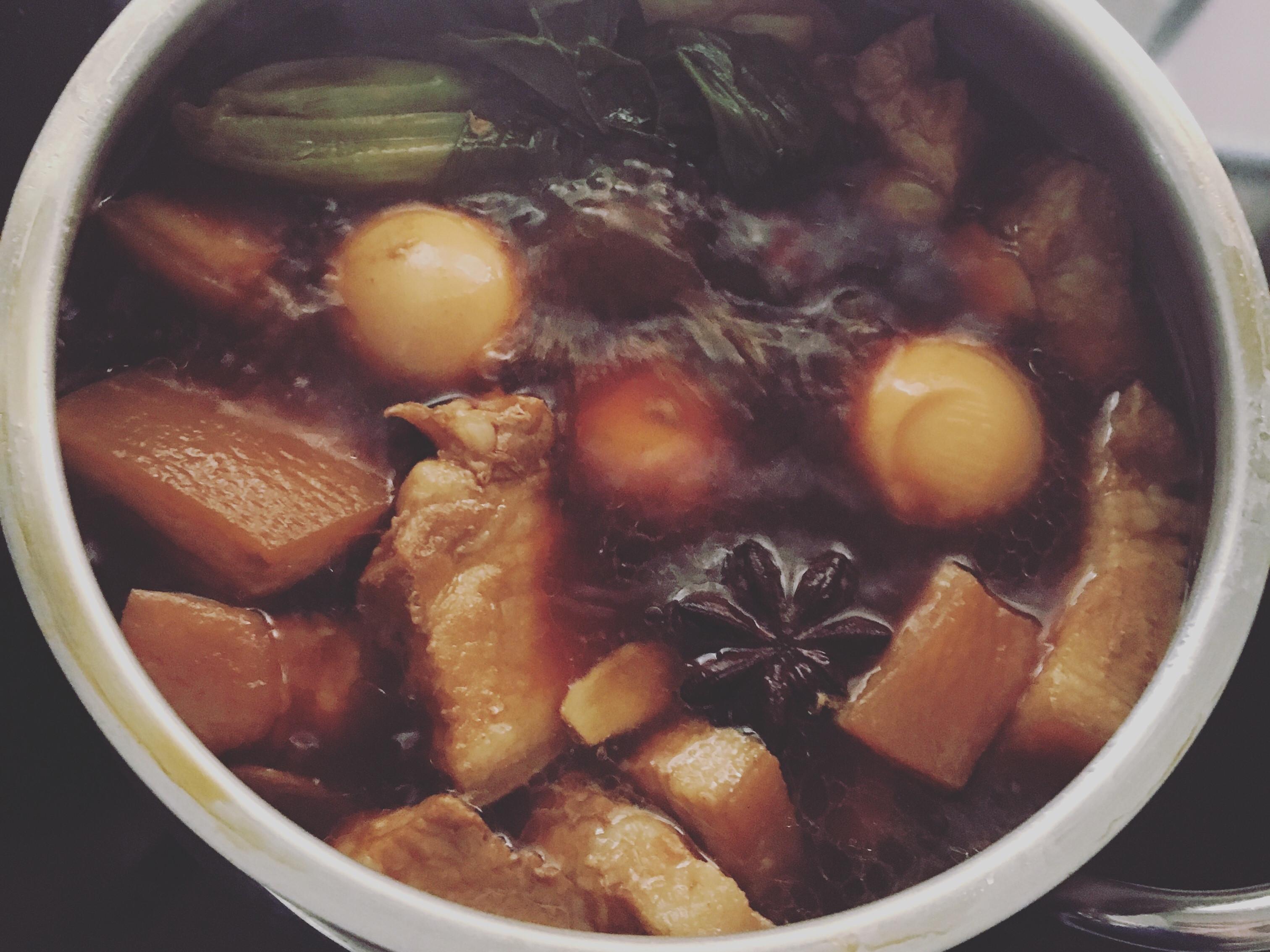 控肉飯(滷五花肉)