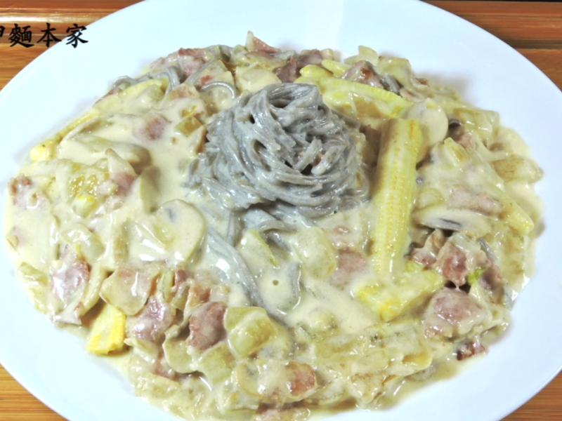 蘑菇培根白醬義大利麵(大呷麵本家)