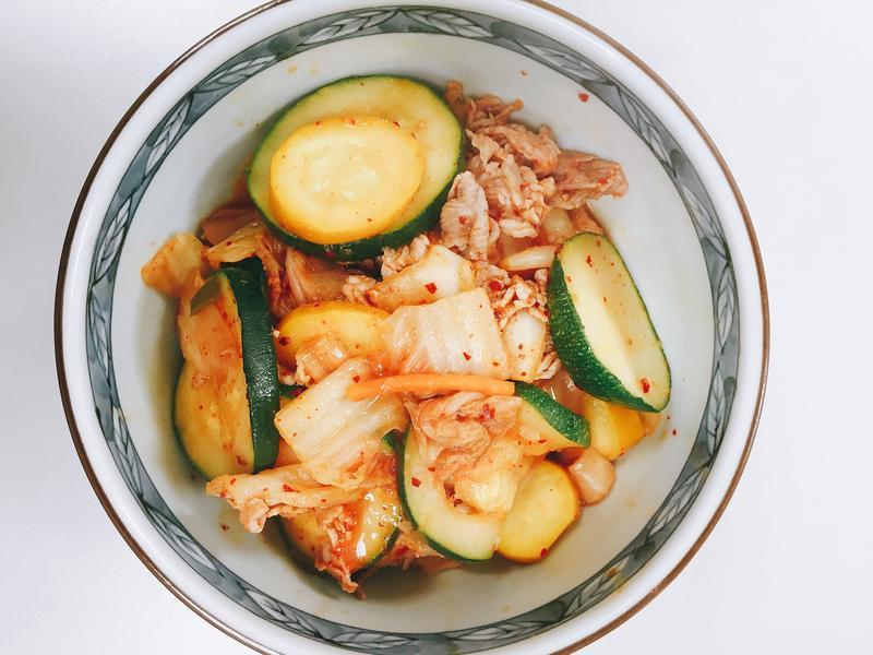 [ MIA's ] 泡菜豬肉滾櫛瓜