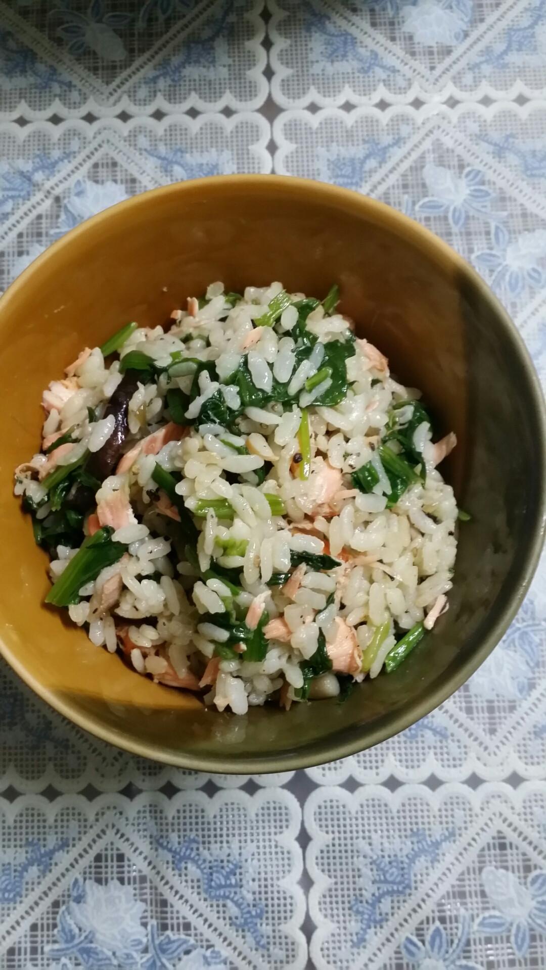 日式鮭魚菠菜炊飯