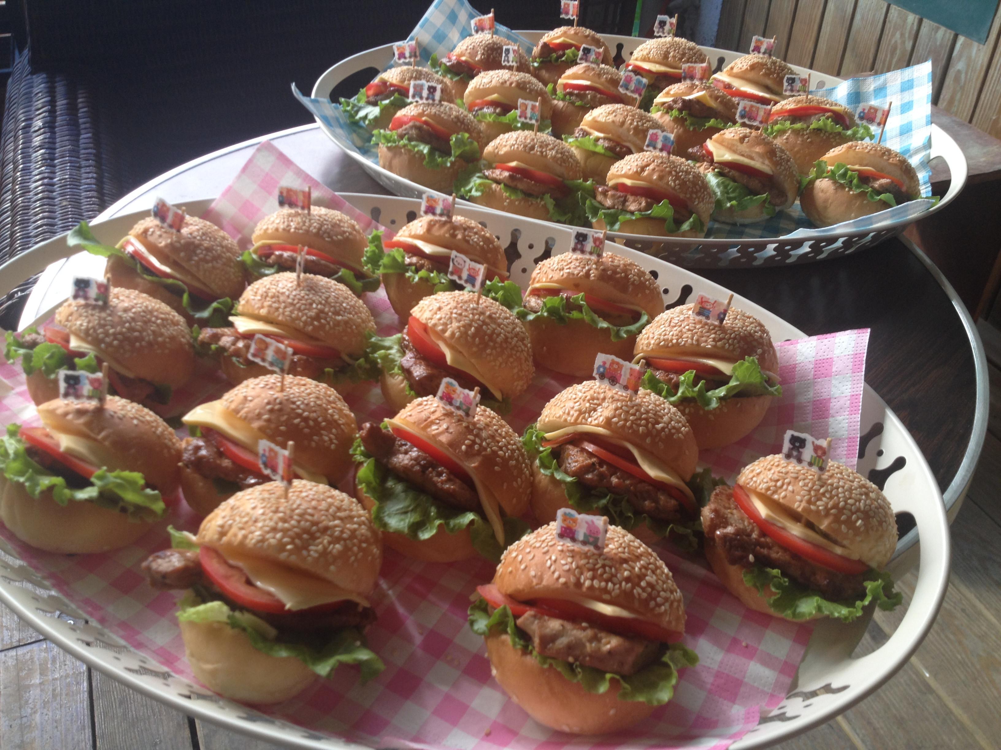 【小李子❤生活.廚房】來去野餐迷你小漢堡