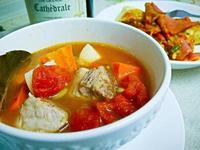 鑄鐵鍋西班牙番茄蔬菜湯