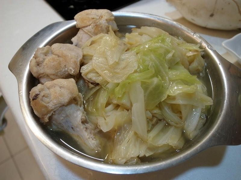 麻油雞蔬菜湯麵