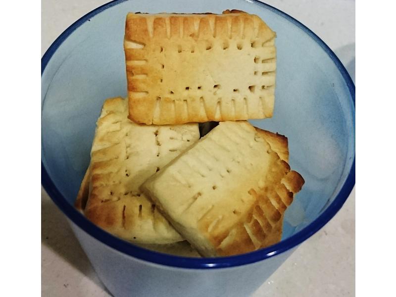 牛奶餅乾。香純濃郁,無蛋,健康好可口🍼