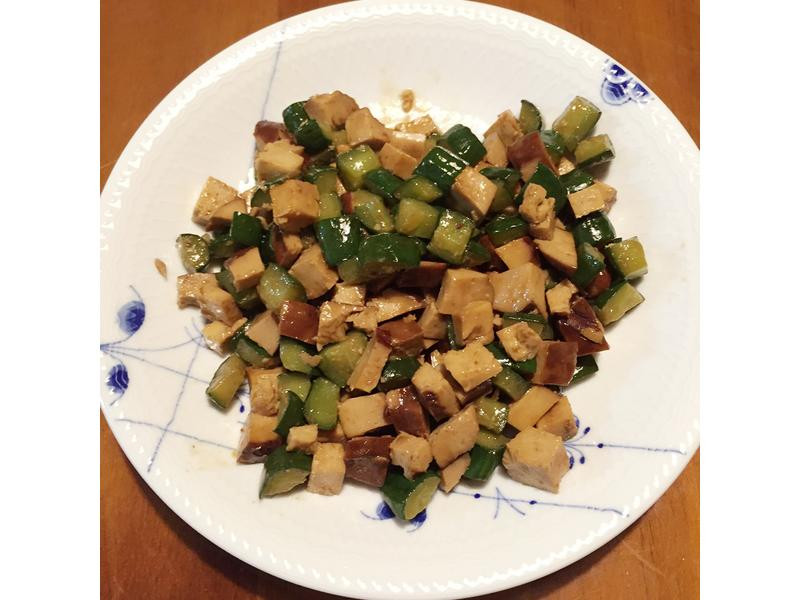 豆瓣黃瓜素雞(豆乾)