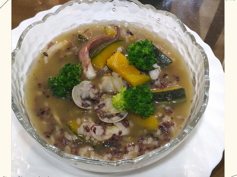 南瓜黑米海鮮粥