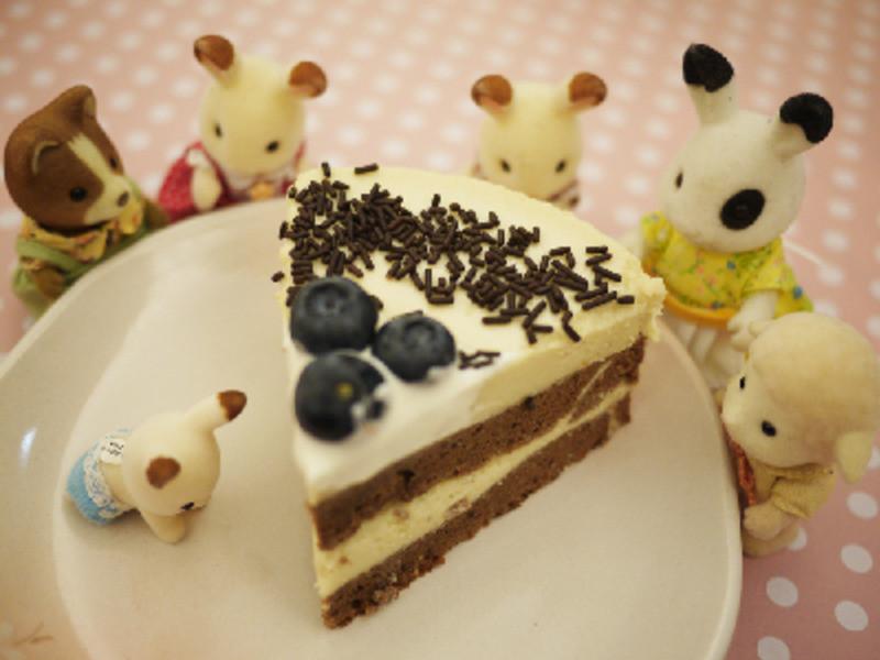草莓煉奶慕思巧克力杏仁蛋糕