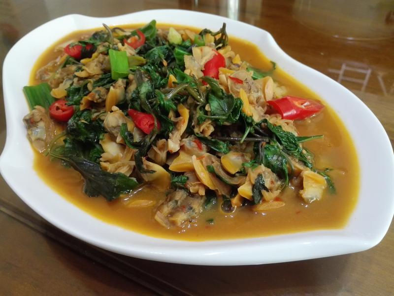 九層塔炒淡菜(孔雀蛤肉)