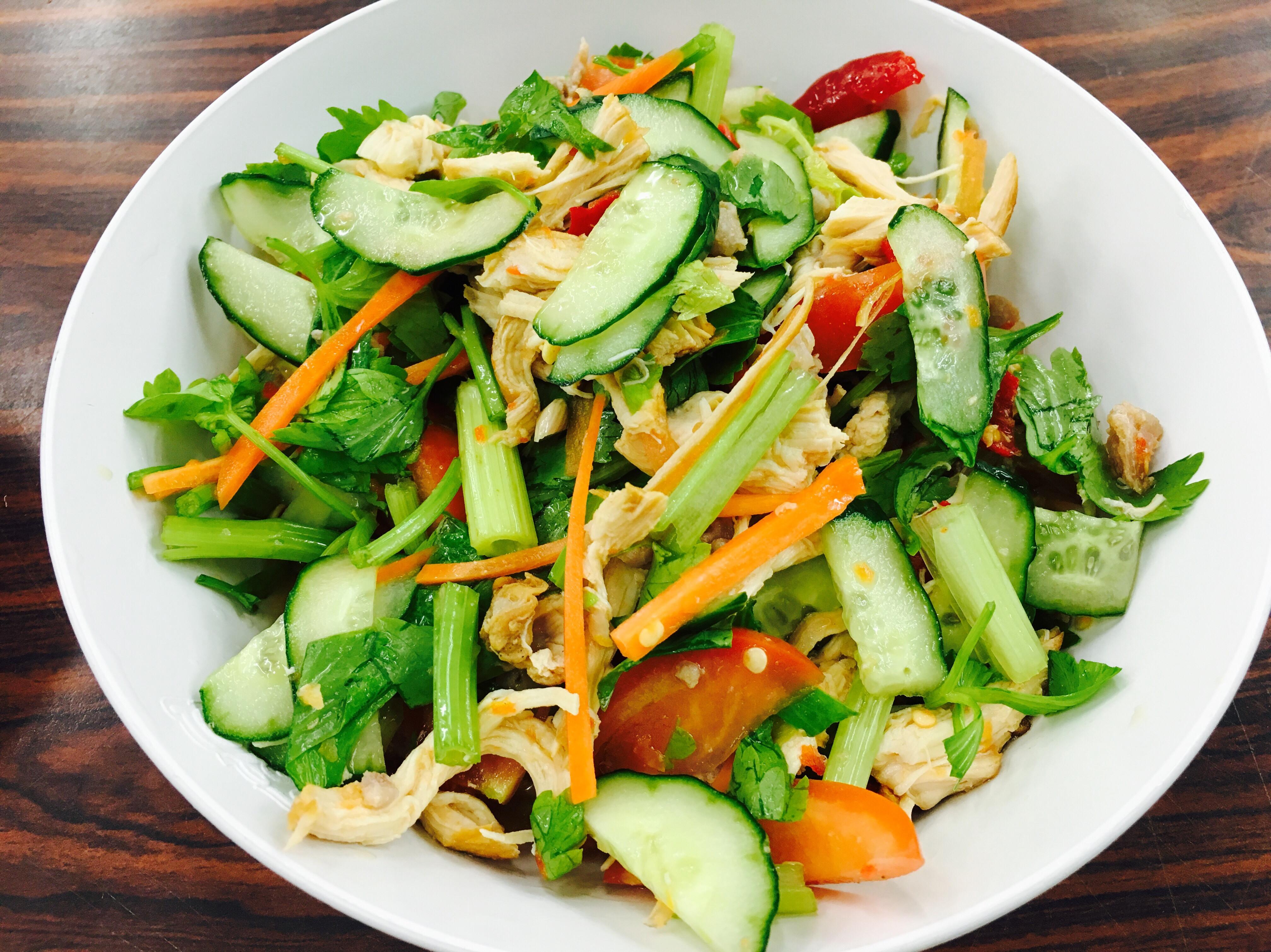 泰式涼拌雞胸肉 「輕食、健康、瘦身」