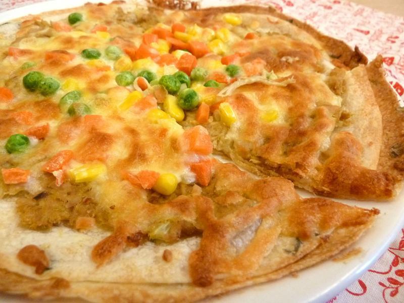 《露營料理》咖哩鮪魚Pizza~不用烤箱
