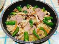 菇菇豬肉泡麵壽喜燒