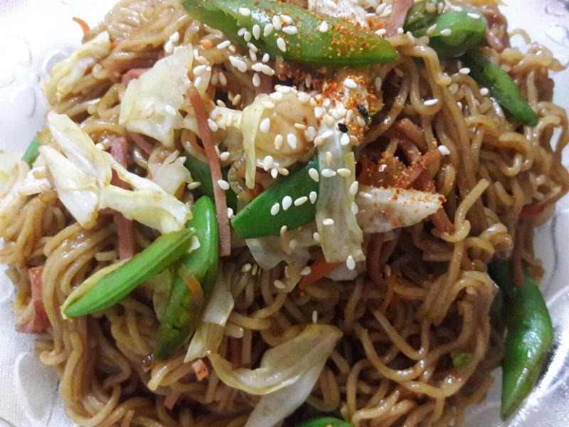 家常蠔油蔬菜炒麵