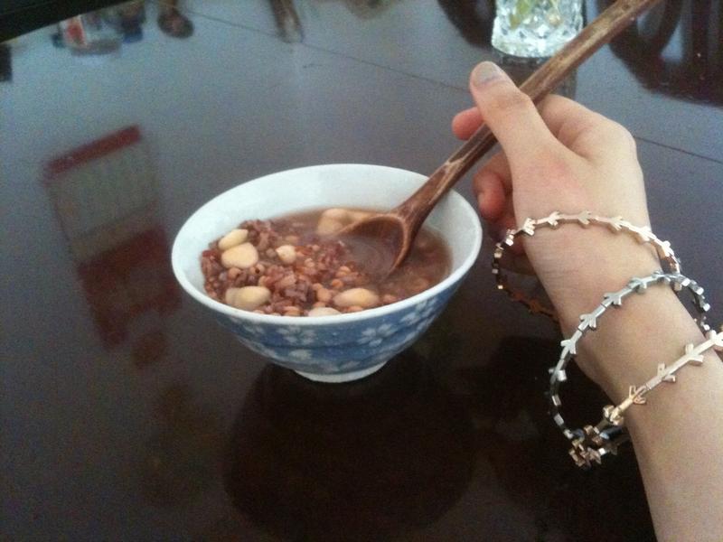五穀紫米白合湯