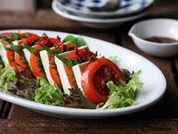 番茄豆腐沙拉佐梅醬油
