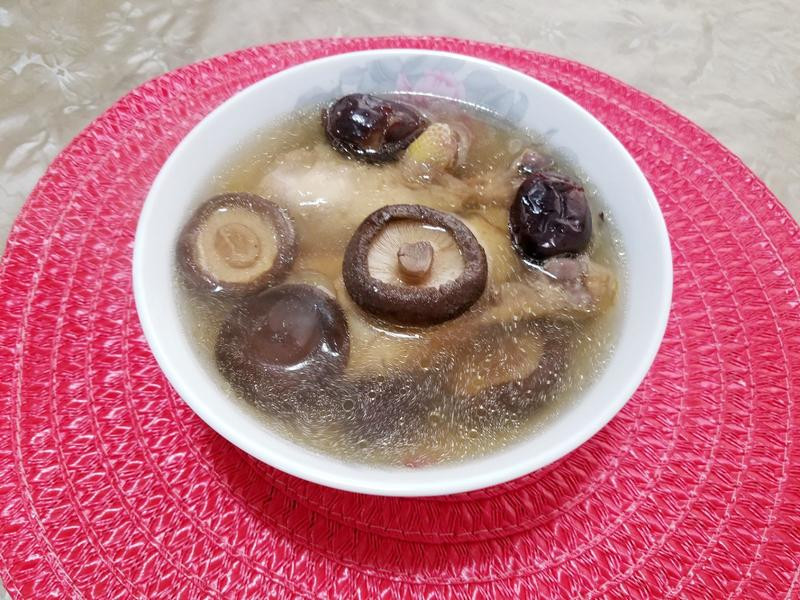 紅棗香菇雞湯