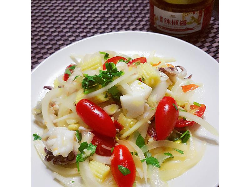 泰式涼拌花枝-菇王鹽麴辣椒醬