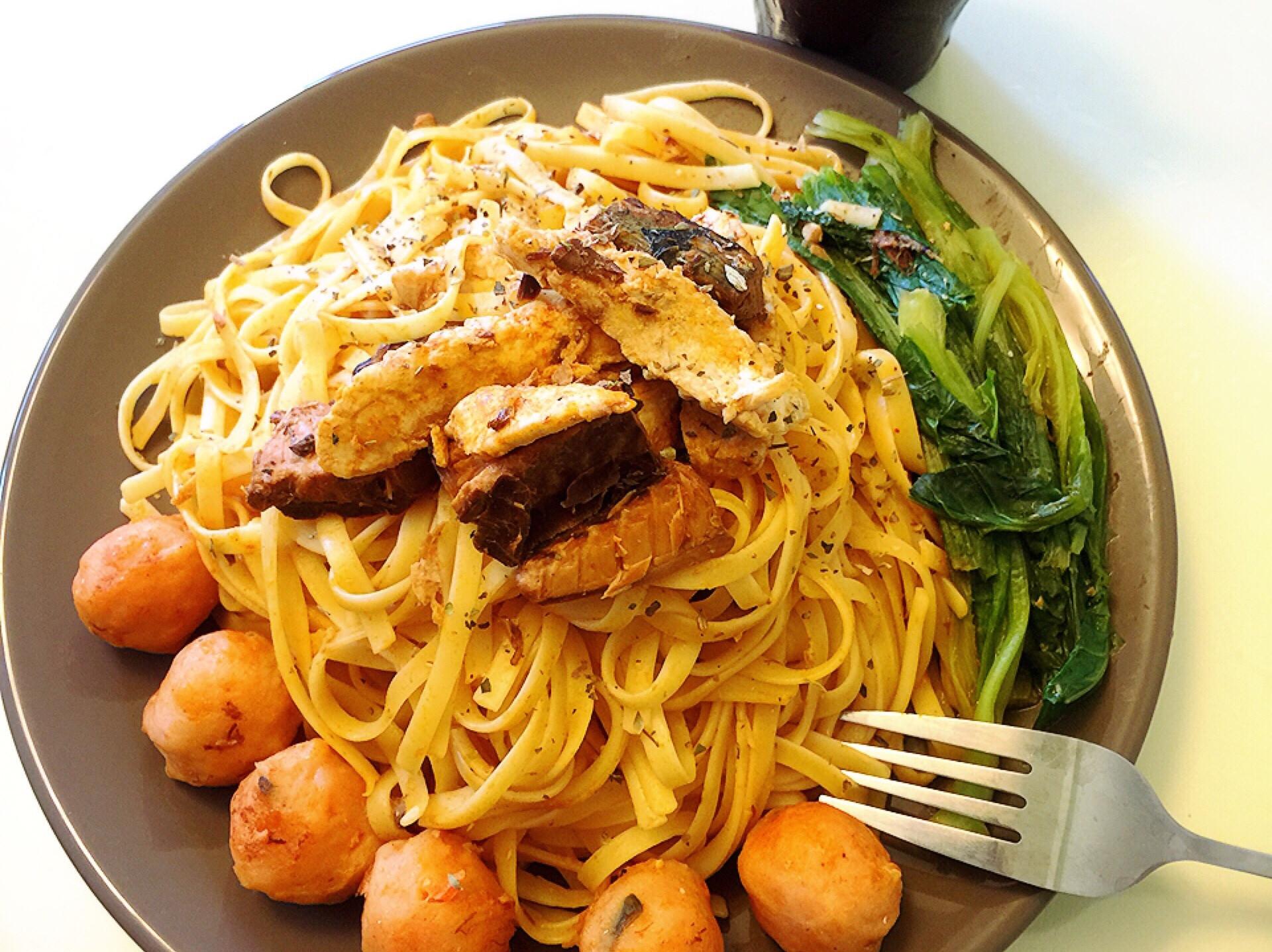 茄汁鯖魚蝦丸義大利麵