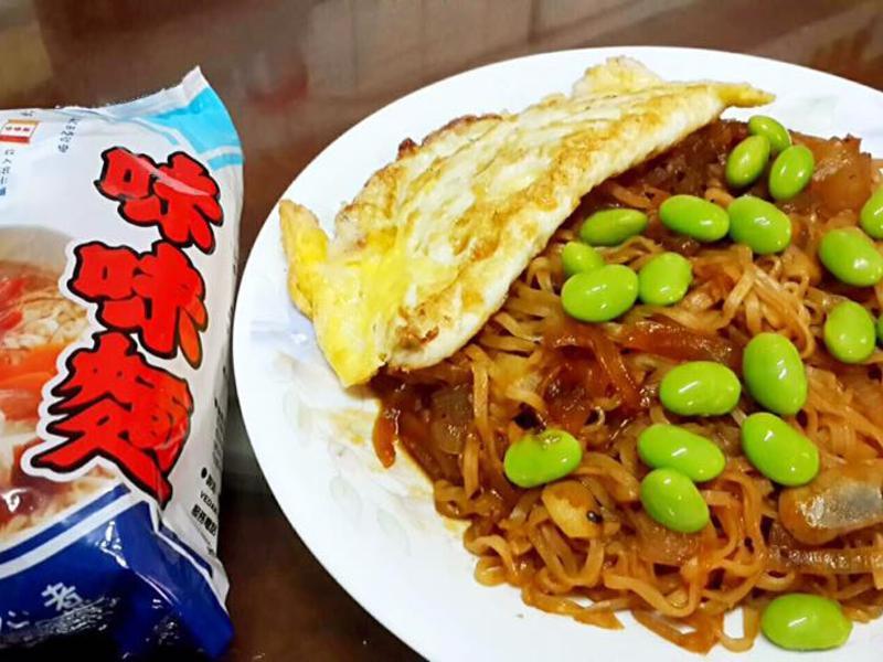 黑胡椒磨菇海鮮麵_記憶中的味味麵