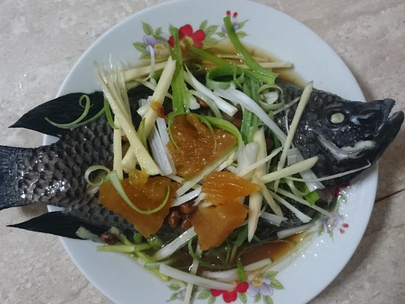 《電鍋料理》鳳梨豆醬蒸魚