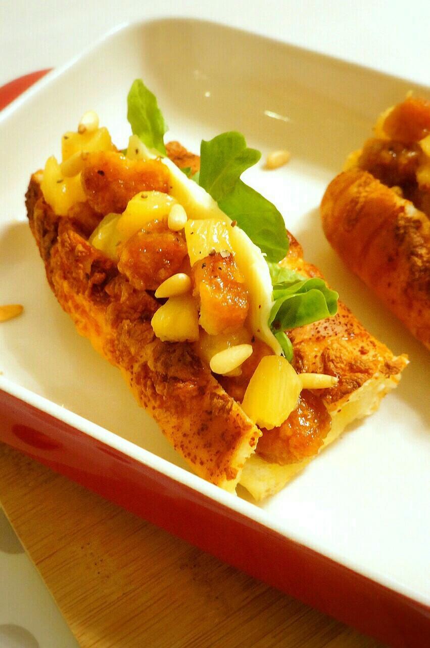 鳳梨起司雞肉熱狗堡