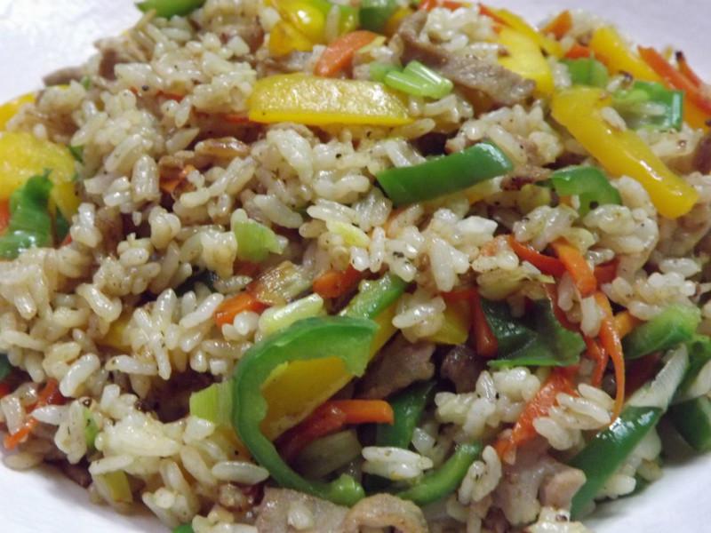 青黃椒肉絲炒飯