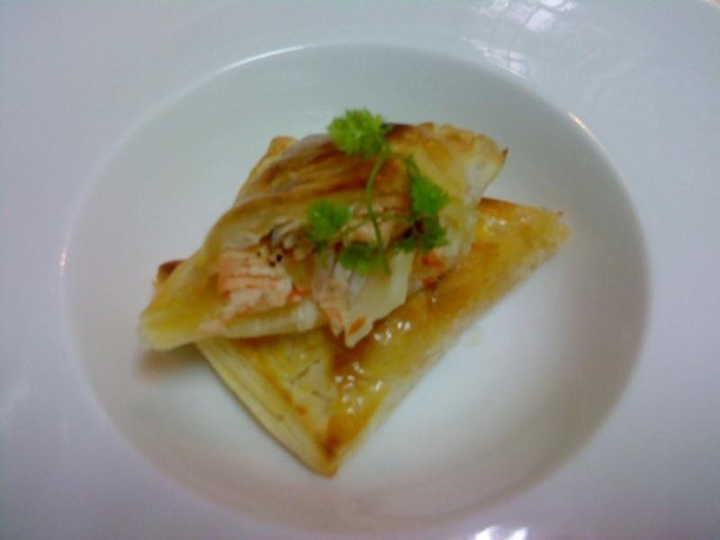 焗烤酥皮鮭魚捲