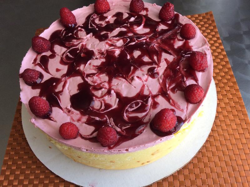 覆盆子夏洛特蛋糕
