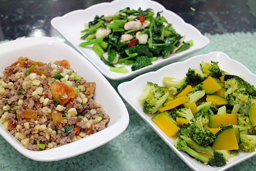 番茄玉米肉燥+南瓜咖哩青花菜