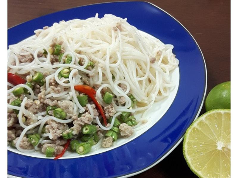 泰式涼拌米線~這米線泰國稱作 卡農金