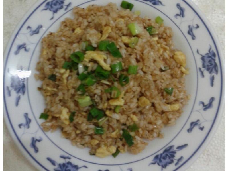 麻油蛋炒飯(蛋炒飯的餐桌故事)