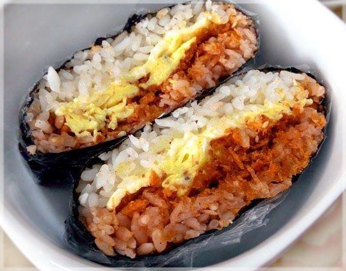 海苔肉鬆免捏飯糰~手殘也能做出好看飯糰!