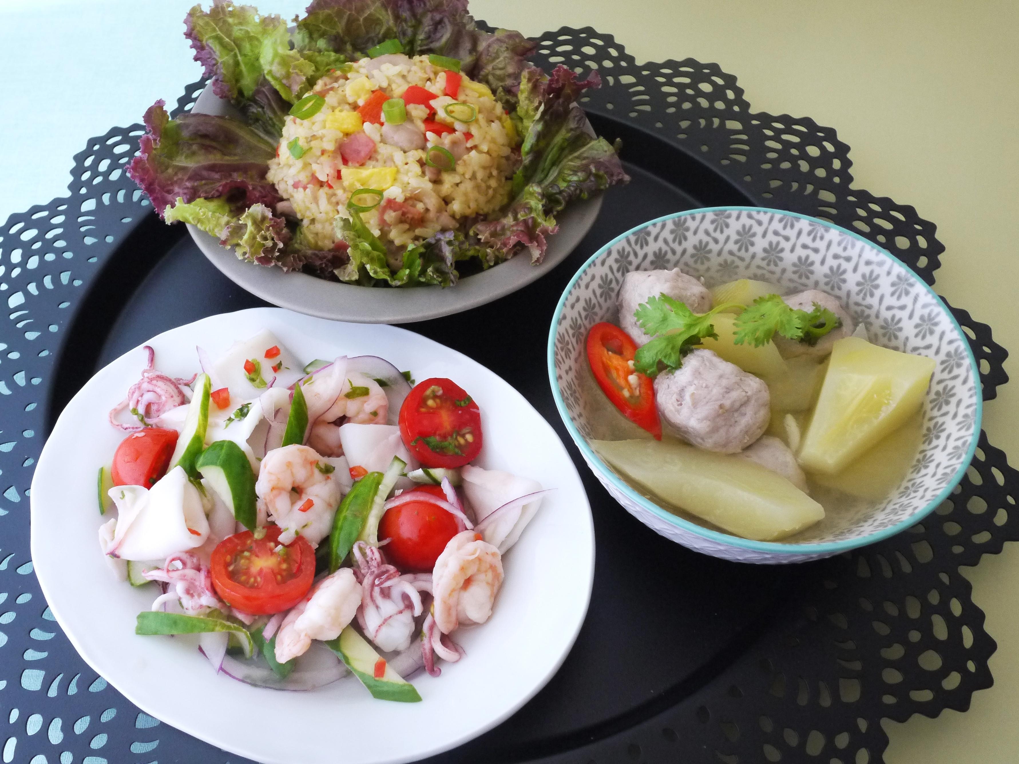 一鍋上桌:涼拌海鮮+鳳梨炒飯+青木瓜湯