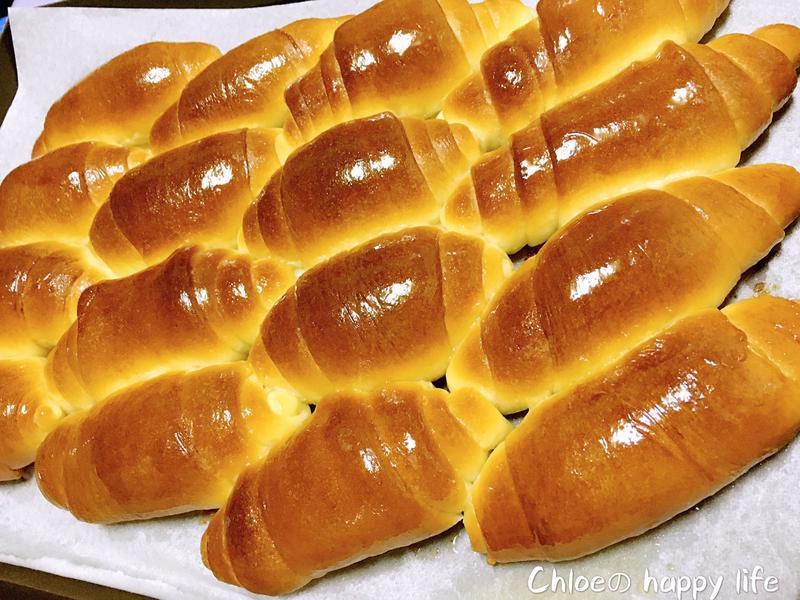 超鬆軟奶香麵包